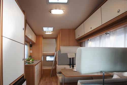 Hire a motorhome in Achim from private owners| Ahorn Camp Womotion2*New*