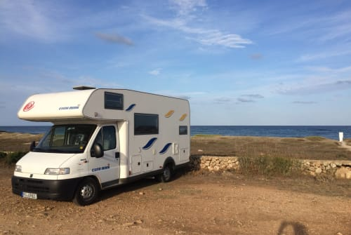 Hire a motorhome in Rosenheim from private owners| Euramobil Eura 2017