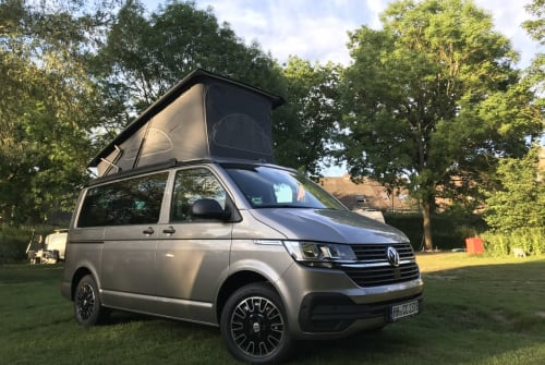 Hire a motorhome in Hamburg from private owners  VW Mojave
