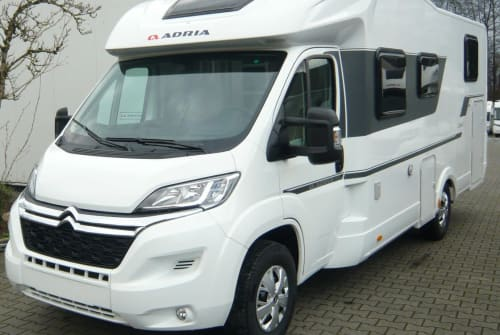 Hire a motorhome in Gütersloh from private owners| Adria Matrix
