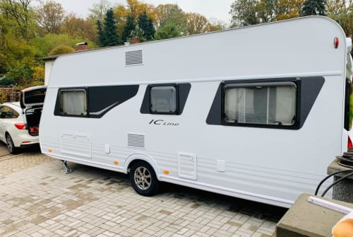 Hire a motorhome in Eppelborn from private owners| Bürstner Berti