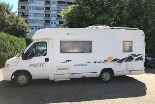 Hire a motorhome in Ulm from private owners| Fiat Ducato Traveller1