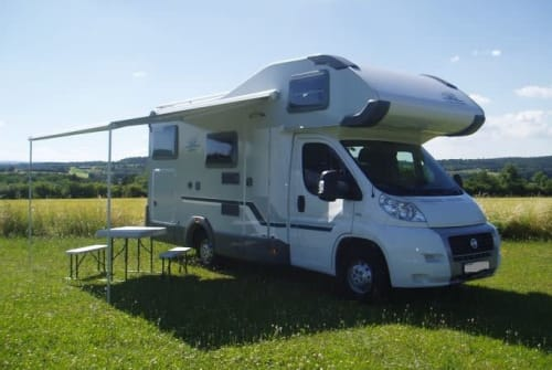 Hire a motorhome in Roding from private owners| Weinsberg Orbiter