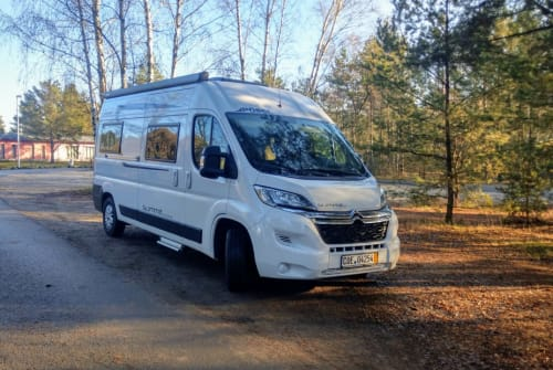 Hire a motorhome in Aachen from private owners| Pössl Wolke