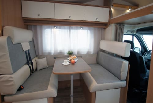 Hire a motorhome in Achim from private owners| Ahorn Camp  Womotion 3