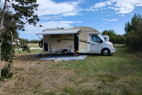 Hire a motorhome in Schifferstadt from private owners| Renault  Ahorn  Hörnchen