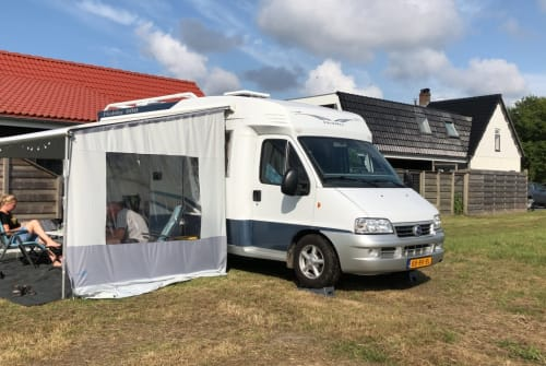 Hire a motorhome in Breezand from private owners| Hobby Hobby 600
