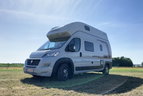 Hire a motorhome in Königsbrunn from private owners| Weinsberg Beluga