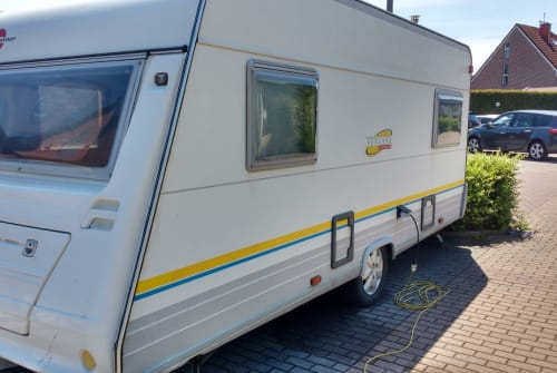 Hire a motorhome in Hamm from private owners| Bürstner Ventana