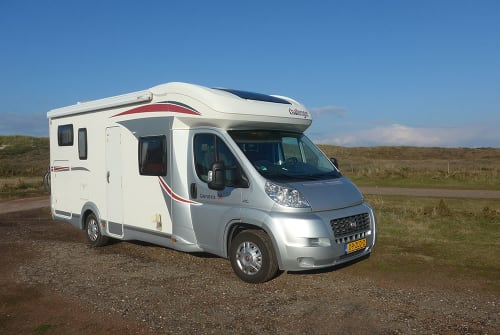 Hire a motorhome in Wijhe from private owners| Challenger Challenger