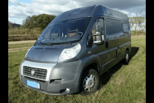Hire a motorhome in Berlin from private owners| Fiat  Fiat Ducato