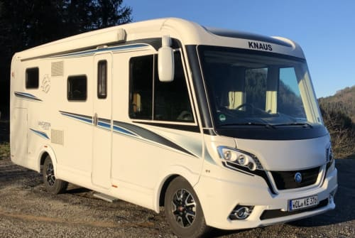 Hire a motorhome in Wolfach from private owners| Knaus Wolke