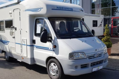 Hire a motorhome in Middelburg from private owners| Adriatik AdriaCoral580