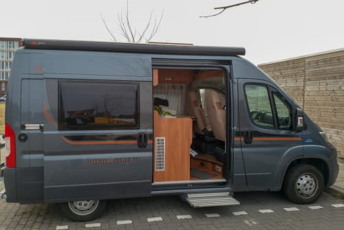 Hire a motorhome in Delft from private owners| Fiat Ducato De Buscamper