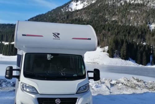 Hire a motorhome in Waakirchen from private owners| RIMOR Susi