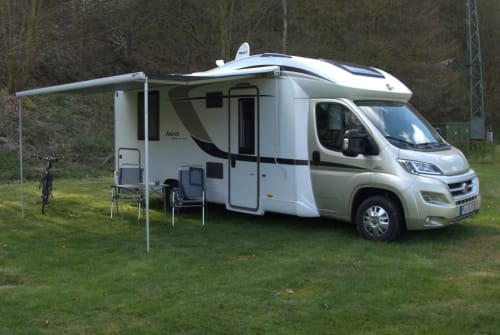 Hire a motorhome in Postfeld from private owners  Bürstner Ixeo time 745
