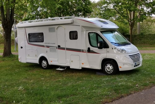 """Hire a motorhome in Kaufbeuren from private owners  Detleffs """"Lady"""""""