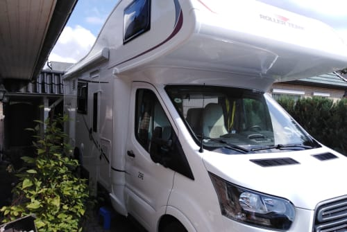 Hire a motorhome in Kellinghusen from private owners| Roller Team Holgi
