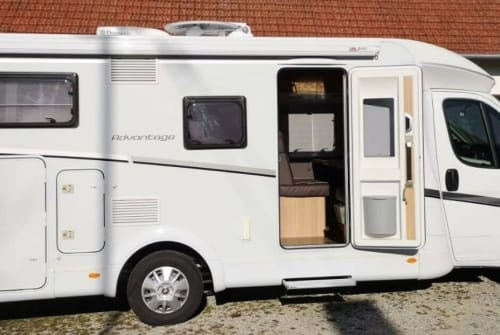 Hire a motorhome in Roding from private owners| Dethleffs Detlef