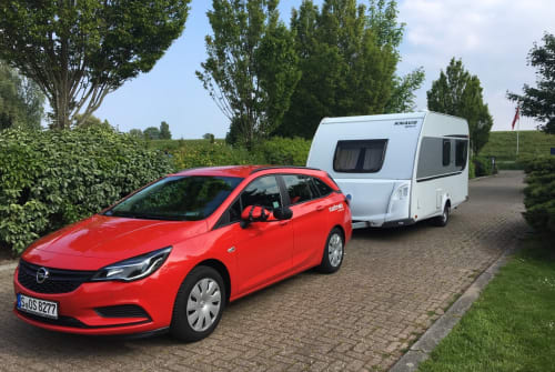 "Hire a motorhome in Ludwigsburg from private owners| Knaus ""Feder"""