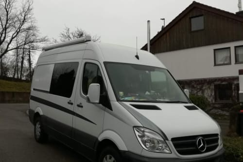 Hire a motorhome in Melle from private owners| Mercedes-Benz Sprintili