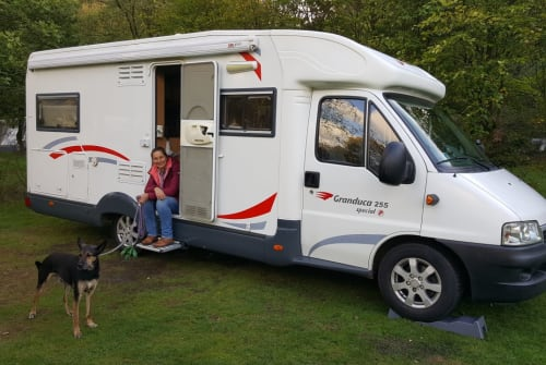 Hire a motorhome in Helmond from private owners| Fiat il topo