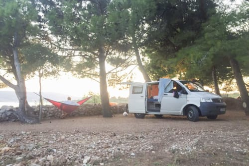 Hire a motorhome in Leipzig from private owners| VW T5 VW T5 Camper