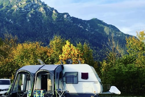 Hire a motorhome in Wöllstadt from private owners| Hymer Eriba La Vida-Camping