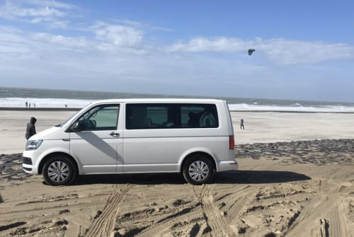 Hire a motorhome in Saarbrücken from private owners| VW T6 Multivan