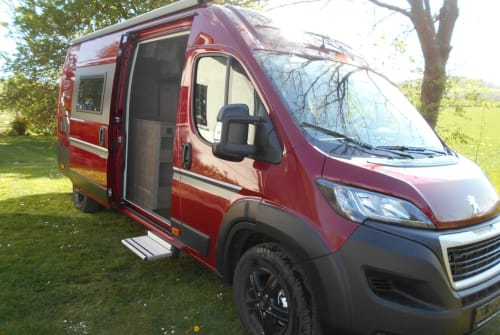 """Hire a motorhome in Eschwege from private owners  Bravia """"Der Rote"""""""