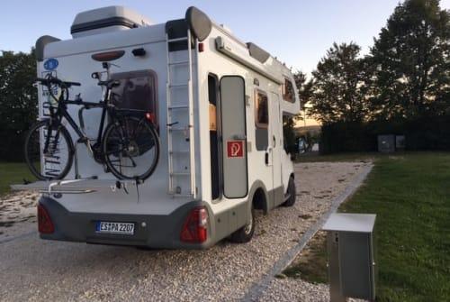 Hire a motorhome in Neuhausen auf den Fildern from private owners| Knaus Elvis