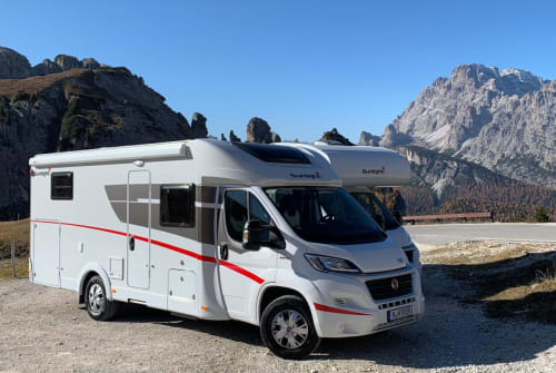 Hire a motorhome in Inning am Ammersee from private owners| Sunlight Fred