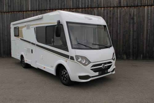 Hire a motorhome in Heppenheim from private owners| Carado i 447