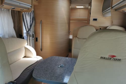 Hire a motorhome in Volendam from private owners| Roller Team Pegaso - Garage Living  Roller Team