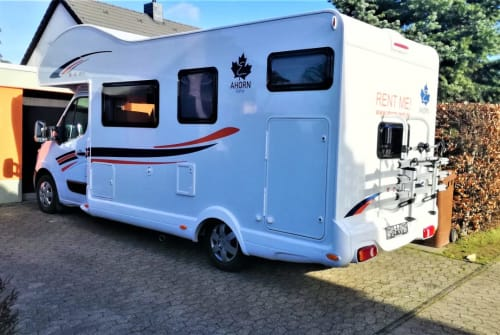 Hire a motorhome in Meckenheim from private owners| Ahorn Ahorn  Camp 683
