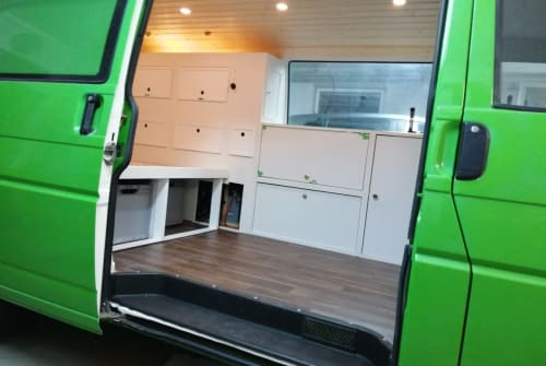 Hire a motorhome in München from private owners| Volkswagen Kale