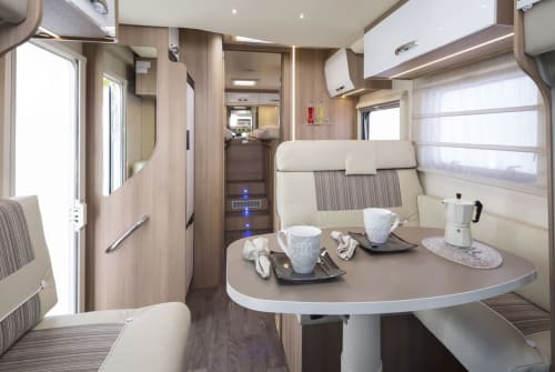 Hire a motorhome in Nederweert from private owners| Roller Team 25 - RENTAC