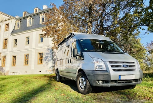 Hire a motorhome in Leipzig from private owners| Ford Oggy