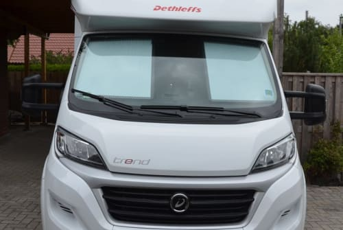 Hire a motorhome in Wiesmoor from private owners| Dethleffs AURA