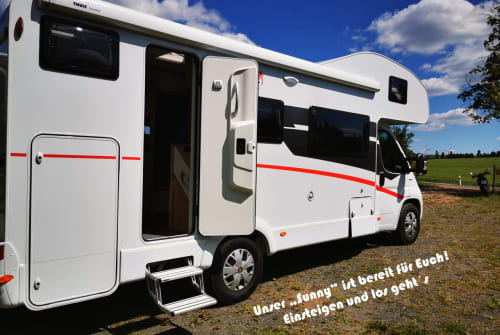 Hire a motorhome in Dippoldiswalde from private owners| Sunlight  Sunlight A72