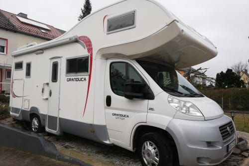 Hire a motorhome in Krumbach from private owners| Roller Team Granduca