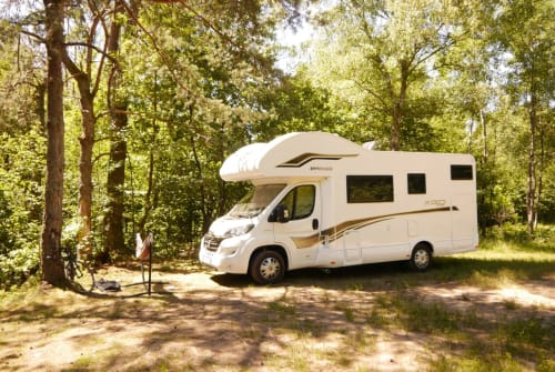 Hire a motorhome in Berlin from private owners| XGO XGO DYNAMIC 27