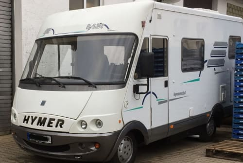 Hire a motorhome in Filderstadt from private owners| Hymer Liberty