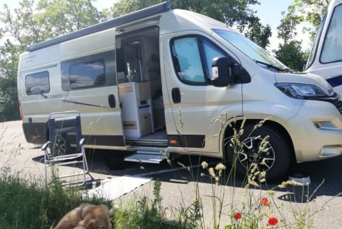 Hire a motorhome in Pfungstadt from private owners| KARMANN Mobil Champus