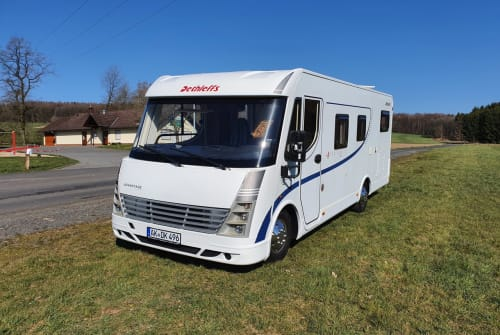 "Hire a motorhome in Werkhausen from private owners| Dethleffs ""Roadrunner"""