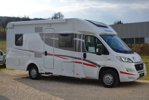 Hire a motorhome in Böblingen from private owners| Sunlight  Sunlight T68