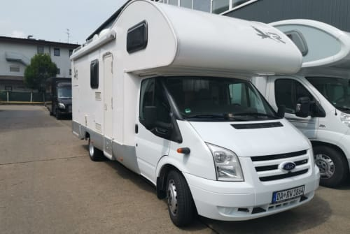 Hire a motorhome in Groß-Zimmern from private owners| Ford RimorKatamarano