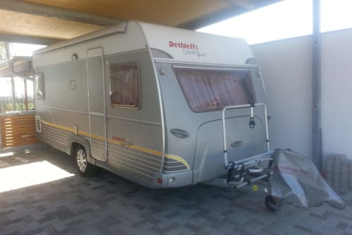Hire a motorhome in Gänserndorf from private owners| Dethleffs Dethleffs 450DB