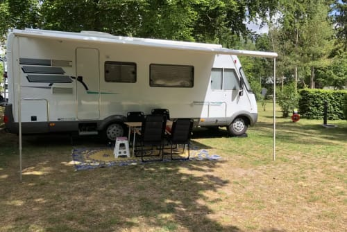 Hire a motorhome in Haarlem from private owners  Hymer Hymer B 684