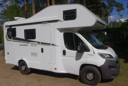 Hire a motorhome in Grünheide from private owners| Weinsberg Finki
